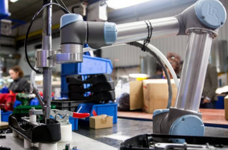Industrial robots-Benefits of Collaborative Robots Over Traditional Robots
